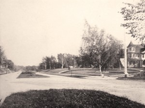 Kingman Boulevard in the early 1900s